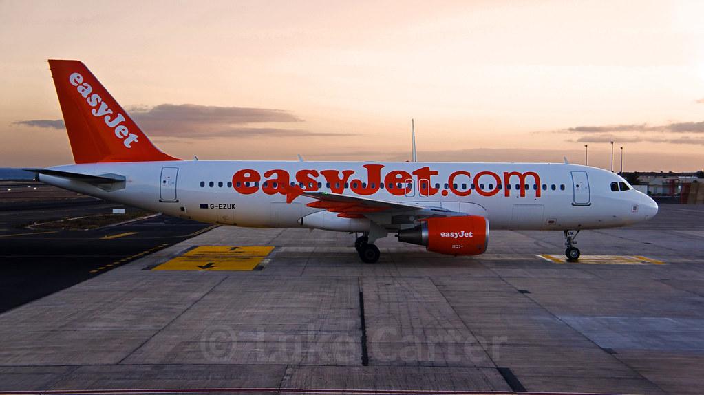 easyA320 - G-EZUK in Lanzarote