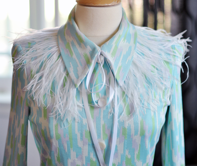 DIY Feather collar+with vintage dress