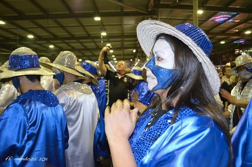 Colores en la parada del candombe;blue and white