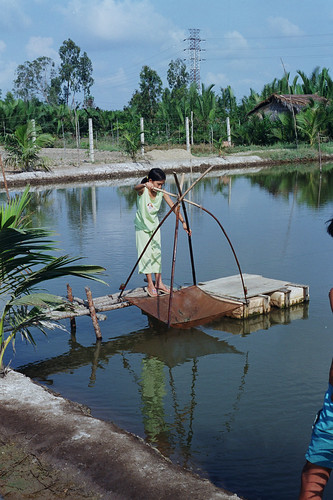 Woman in small-scale fisheries, Cambodia. Photo by Chris Bene, 2003.
