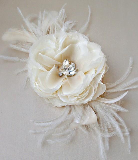 champagnefeatheredflowerweb