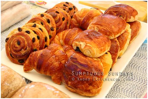 Legazpi Sunday Market: Freshly baked bread
