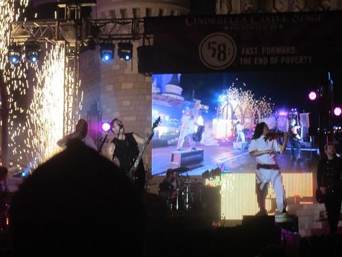 Skillet Lights Up the Castle