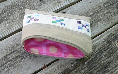 Zipper bag - pink inside