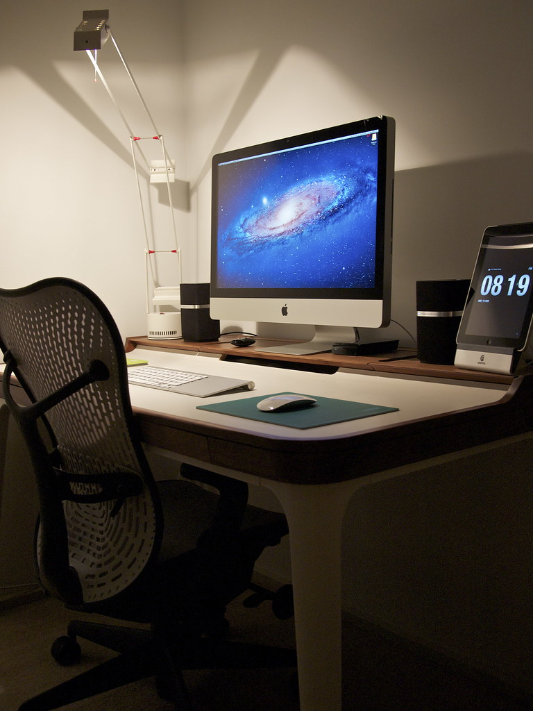 New Office 1 (Linhgo) Tags: Chair Imac Hermanmiller Bowerswilkins Mirra Mm1  Ipad Tizio