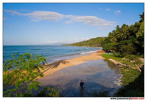 Beach in Baucau by joaoamaralphoto