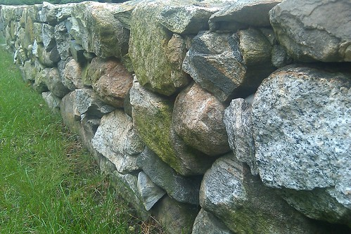 Hawthorn Suites: stone wall details