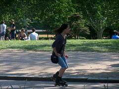 100_3258 (Waterford_Man) Tags: trees people london candid topless hydepark rollerblading paths rollerskating rollerbladers rollerskaters serpentineroad girlsportsbra