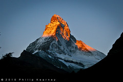 The Matterhorn, sunrise (Philip Kearney) Tags: mountain alps sunrise landscape switzerland europe iso400 zermatt matterhorn f80 kearney philip philipkearney philipkearney
