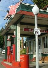 Keeler's Korner (Larry Myhre) Tags: vintage washington mobil gasstation lynnwood hwy99 mobiloil keelerskorner