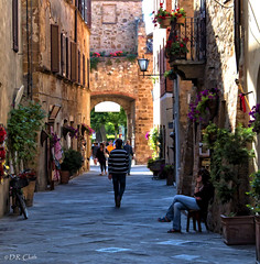 Simplified Street (explored) (Dennis Cluth) Tags: italy nikon tuscany pienza topaz simplify d90
