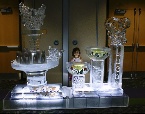 3 Level Fountain w Ice Table & Anik
