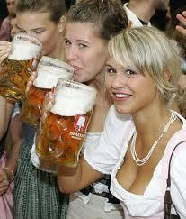 Girls-drinking-Beer