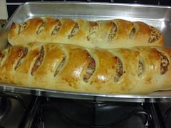 Pão de linguiça com provolone ..acabou de sair do forno !! (soniapatch) Tags: