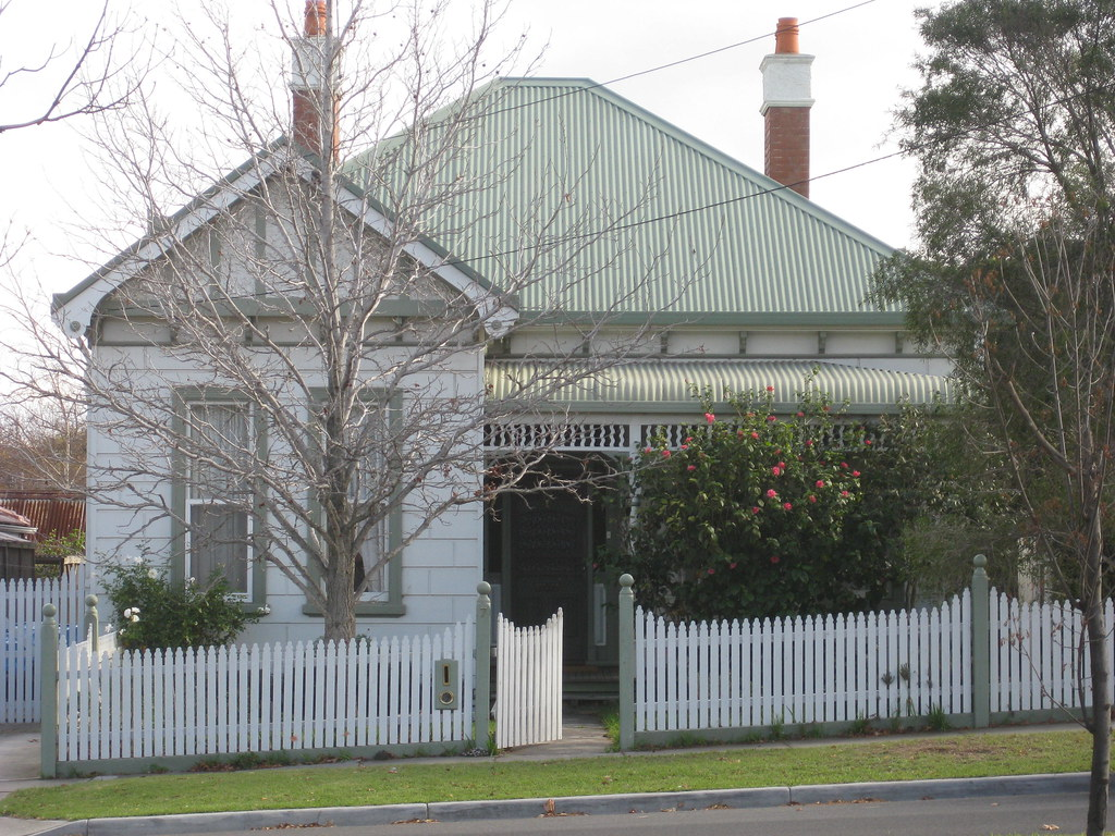 A Large Late Victorian Villa with Queen Anne Influences - Essendon