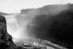 Waterfall (roberto_blank) Tags: 2870f28 2870mm atlantic atlantischeoceaan d700 dx ijsland iceland nikon northatlantic crop fullframe holliday landscape life light nature natuur nikkor oceaan ocean reis sea vakantie wildlife