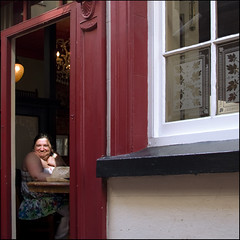 smile :-) (rita vita finzi) Tags: light smile brighton thankyou streetshot smilinglady pummelfee causelifeisbeautifulthatway smilewithoutareasonwhy loveasifyouwereachild