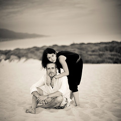 (gosia janik) Tags: bw beach square spain couple pareja playa andalucia duna cdiz bolonia tarifa