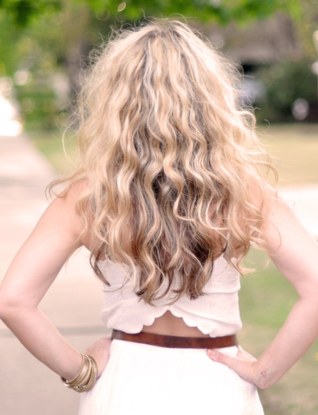 big curls+no heat curls+get curls without heat+twisted buns in hair