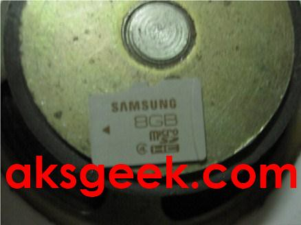 class 4 microSDHC card on MAGNET