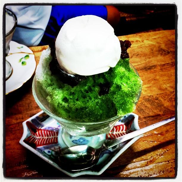 脳天にズキーン!暑い中、ちょっと待たされて食べるカキ氷は効くなw まさに冷房要らず。宇治クリーム金時、通称スペシャルで。
