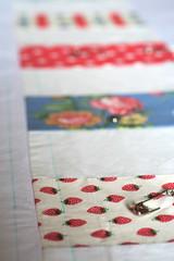 coin quilt in progress (Sados da Concha) Tags: handmade sewing quilting basting coinquilt saidosdaconcha constanacabral