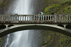 The Proposal (AGrinberg) Tags: bridge blue woman man guy love water shirt oregon waterfall footbridge falls gal proposal multnomah propose 05956proposal