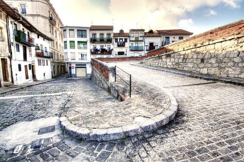 Curve. San Vicente de la Barquera. Cantabria. Spain