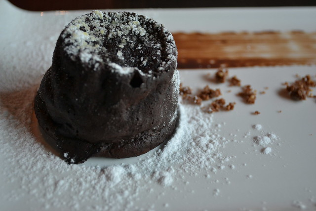 Dozo's Warm Chocolate Cake
