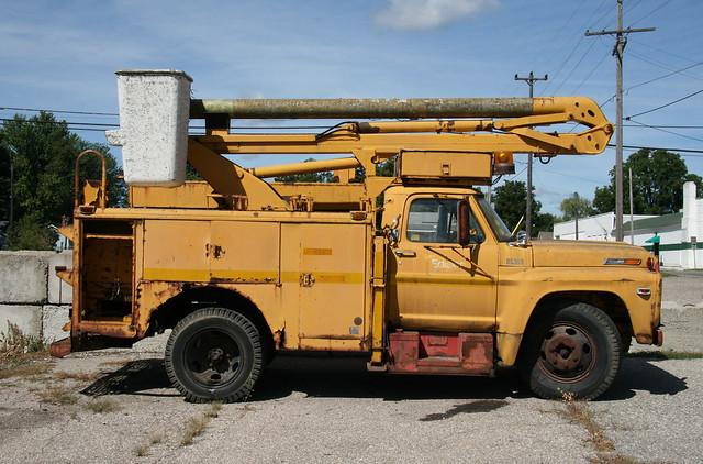 ford500 fordtruck yellowtruck detroitedison buckettruck worktruck fordv8 fordf500 fordfseries 1970struck fordfseriestrucks detroitedisontruck