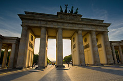 Pariser Platz in my WE Lens (Dietrich Bojko Photographie) Tags: light berlin germany deutschland evening europe shadows wide filter lee filters brandenburgertor dietrichbojko d7000 dietrichbojkophotographie