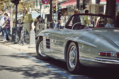 300SL Roadster (Raoul Automotive Photography) Tags: auto old 6 slr classic car star mercedes benz sony side parking tripod rear wide band convertible line sl filter mercedesbenz inline editing mm 300 1855 alpha dslr dusseldorf 50 six dsseldorf cabrio mb hama picnik dt circular sls 61 300sl roadster allee gullwing merc pl knigsallee 55200 kenko a230 polarisation koningsallee konings photoscape a230l