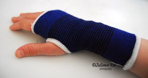 My hand palm brace