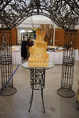 Ivory Topsy Turvy Wedding (Amanda's Caketastic Creations) Tags: wedding ivory topsyturvy bowscake