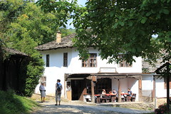 IMG_2062 (bernadetteetroussi) Tags: village bulgaria maison balkan bulgarie    bojentsi