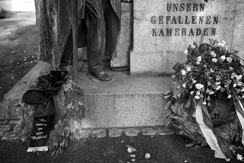 Pietätlosigkeit; copyright 2011: Georg Berg