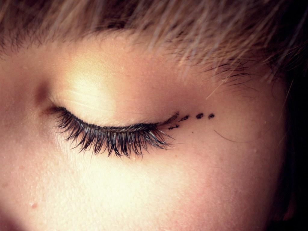 eye liner ¦