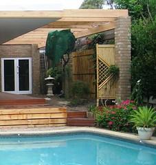2006 DEC. garden lh pool