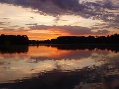 Un beau matin ... *** (Titole) Tags: morning orange cloud reflection sunrise reflet matin leverdusoleil friendlychallenges thechallengefactory storybookttwwinner titole nicolefaton
