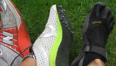 Souboj v terénu: tretry s hřeby, klasické boty nebo pětiprsťáky?