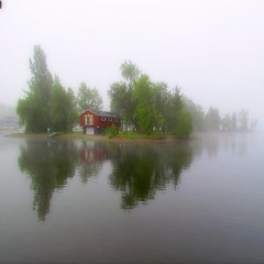 Ma cabane au Canada (Lara-queen) Tags: morning summer reflection water fog landscape eau dream august reflet t paysage aout brume matin rve 2011 starsavenue quynhvu saariysqualitypictures laraqueen canonpowershotsx30is rememberthatmomentlevel4 rememberthatmomentlevel1 rememberthatmomentlevel2 rememberthatmomentlevel3 rememberthatmomentlevel5
