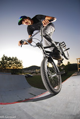 Geo Magerand (renan4) Tags: sunset cactus france bike sport foot evening nikon bmx ramp ride action flash sb600 mini fisheye spine nikkor jam geo eastern renan phnix sb800 manosque gicquel d80 strobist renan4