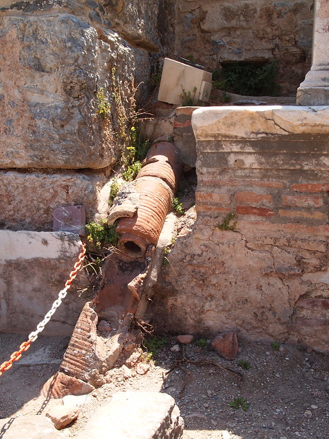 修啦斯提卡浴場(Bath of Scholastica)的熱水管