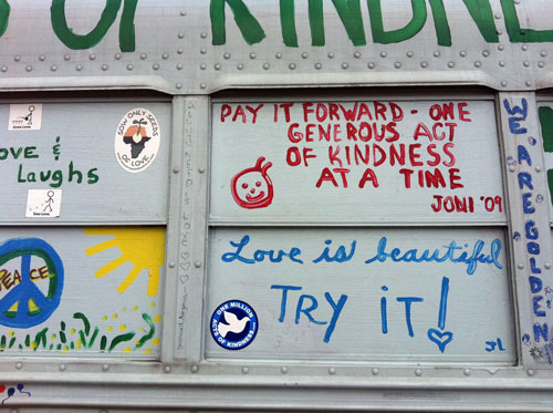 kindness-bus-love-is-beautiful