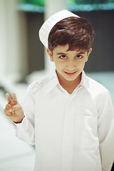 Humaid (HessaQue) Tags: boy style qatar humaid kandorh
