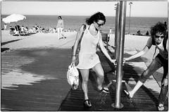 sand on feet (gorbot.) Tags: barcelona blackandwhite bw beach barceloneta roberta f19 leicam8 digitalrangefinder ltmmount silverefex voigtlander28mmultronf19