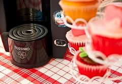 Tassimo_machine (TASSIMO Europe) Tags: madrid love cup coffee cake cupcakes store spain heart tea drink chocolate machine biscuits t42 valentin coffeemachine valentinesday macaroons t65 t20 t40 tassimo t85 tdisc tassimomachine