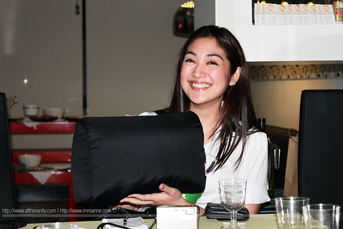 Meya with her Bag Stuffer  - Purse Prime Private Bag Spa Session