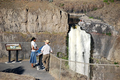 At the Viewpoint (Sotosoroto) Tags: cliff waterfall washington canyon palouse palousefalls
