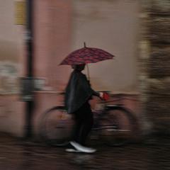 Umbrella, Innsbruck (Ian@NZFlickr) Tags: 2004 rain umbrella austria bravo innsbruck topaz fractalius perhapstoomuch